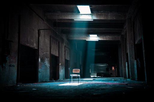 abandoned-broken-chair-158229